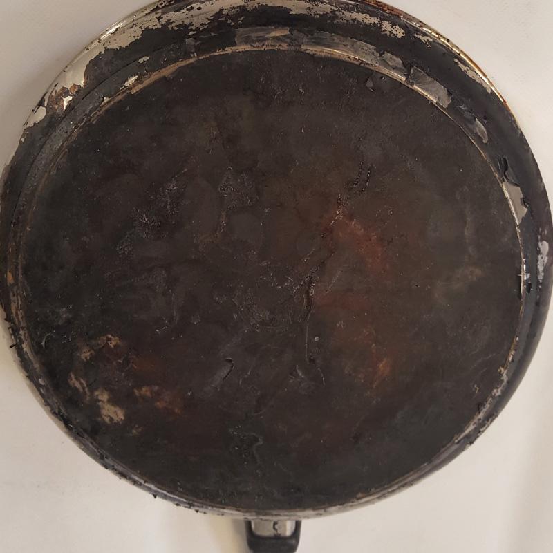 suciedad-en-sartenes-tras-cocinar